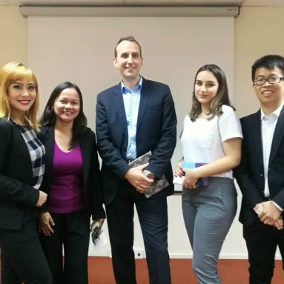 SP Jain postgraduate students with Mr Johannes Sammann, Chief Operating Officer, Heinemann