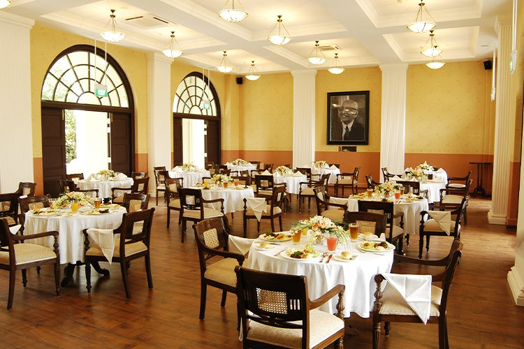 Executive-Dining-Lounge