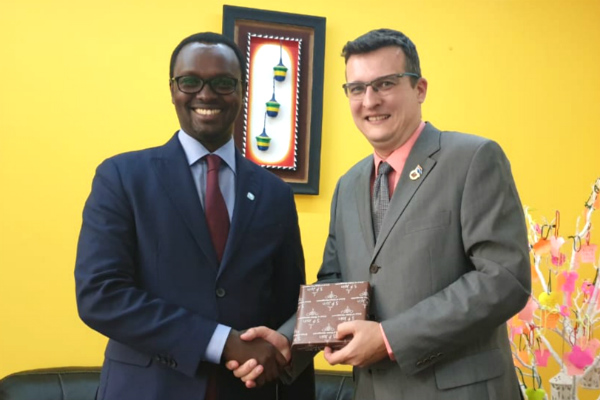 Emmanuel Hategeka, COO of Rwanda Development Board, visits SP Jain campus in Dubai